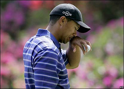 Woods endures a mixed day at Augusta
