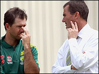 Andrew Hilditch (R) and Australia skipper Ricky Ponting