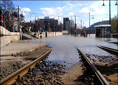 Budapest - flooded tram lines (Photo: Chris X Vannerom)