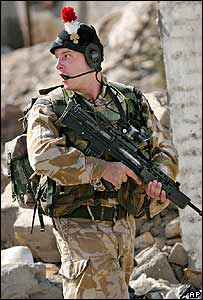 British soldier on patrol in Basra, southern Iraq