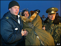 Col Pontes (centre) on his return to Kazakhstan