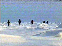 North Pole marathon runners