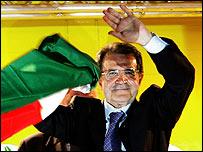 Romano Prodi celebrates victory, 11 Apr 06