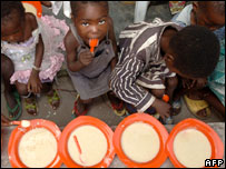 Congolese children in Kinshasa eating food