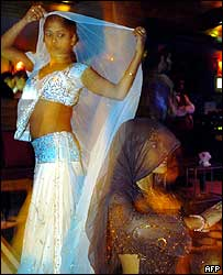 A girl in a dance bar in Mumbai