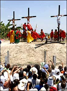 Filipinos are nailed to crosses in San Fernando