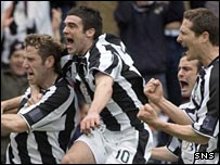 St Mirren celebrate the opening goal at Love Street