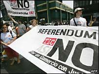 Protesta en Lima contra el TLC