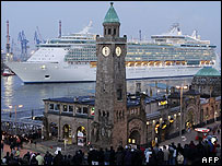 Freedom of the Seas arrives in Hamburg