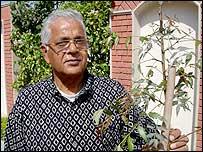 Dr Ramesh Saxena