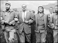 Fidel Castro, Osvaldo Dorticós y Ernesto Guevara (foto gentileza Perfecto Romero)