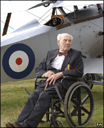 Henry Allingham with aircraft