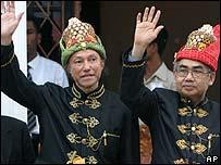 Acehnese former rebel leaders Malik Mahmud and Zaini Abdullah
