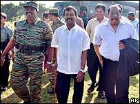 Tamil Tiger rebel leaders, Thamilselvam (in the centre) and Anton Balasingham (r)