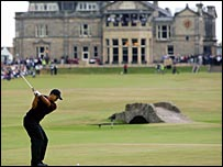 Tiger Woods plays up the 18th on his way to winning the 2005 Open Championship