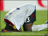 Darius Vassell collapses in defeat