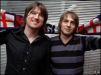 Embrace singer Danny McNamara (left) and bassist Steve Firth