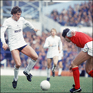 Glenn Hoddle takes on David O'Leary
