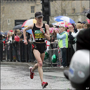 American Deena Kastor passes the Tower of London as she enters the latter stages of the race