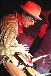 Hugo Claudín dando un concierto