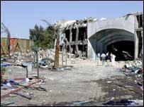 أحد الفنادق التي تعرضت للتفجير