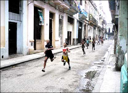 Dan Peterson's runners in Havana