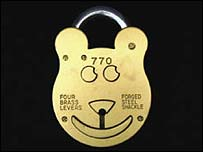 Teddy bear padlock (Pic: Sweet Dreams Security)