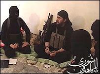 Abu Musab al-Zarqawi y seguidores. Foto via IntelCenter.