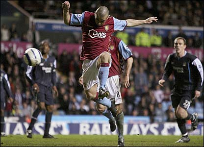Kevin Phillips scores a disallowed goal