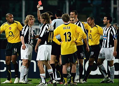 Pavel Nedved is sent off against Arsenal