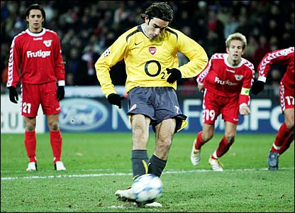 Robert Pires converts a late penalty against FC Thun