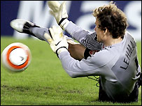 Jens Lenhamm saves a penalty from Juan Roman Riquelme against Villarreal