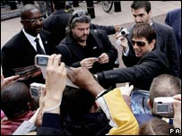 Tom Cruise meets fans at the Mission Impossible 3 premiere in London
