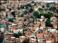 Barrio marginal en Venezuela