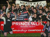 Neath celebrate winning the Premiership title for a second season