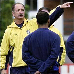 Scolari and Romario in training