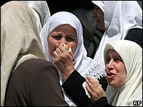 Women weep for Meysoun al-Hashemi