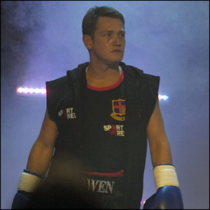 Sid Owen prepared to face Ben Fogle in the ring