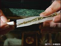 Rollo de marihuana.