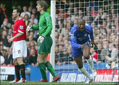 William Gallas scores the opener against Manchester United