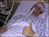 Milton Mermikides en el hospital