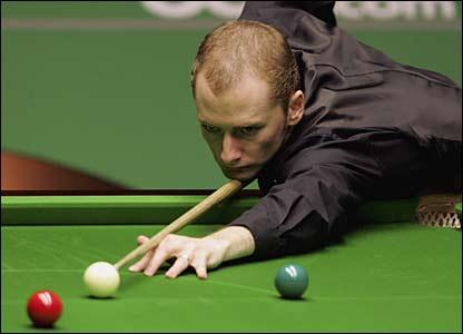 Graeme Dott plays a shot