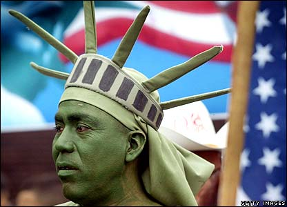 Man dressed as Statue of Liberty