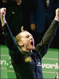 Graeme Dott celebrates his victory