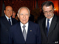 (from left) Silvio Berlusconi, Carlo Azeglio Ciampi and Romano Prodi (archive image from 2003)