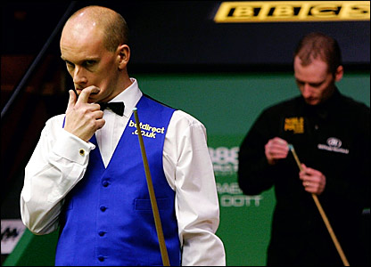 Peter Ebdon ponders his next move in a lenghty 27th frame