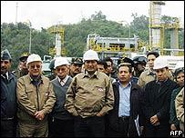 Presidente de Bolivia, Evo Morales, en instalación petrolera.