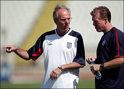 England boss Sven-Goran Eriksson and Steve McClaren discuss tactics in Portugal