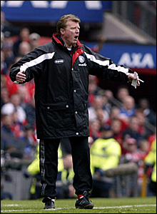 Steve McClaren urges his side on against Arsenal in the 2002 FA Cup semi-final