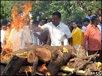 Cremation of K Suryanarayana in Hyderabad